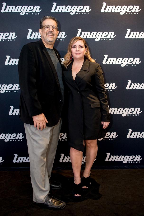 IMAGEN MIAMI BLACK CARPET. Mandy Llanes, Angela Calderón.